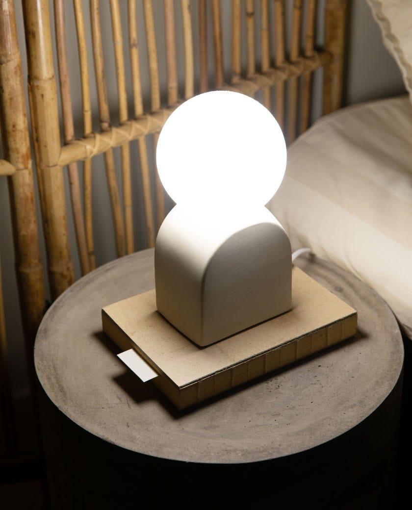 Bordslampa Lera Vit/Opal