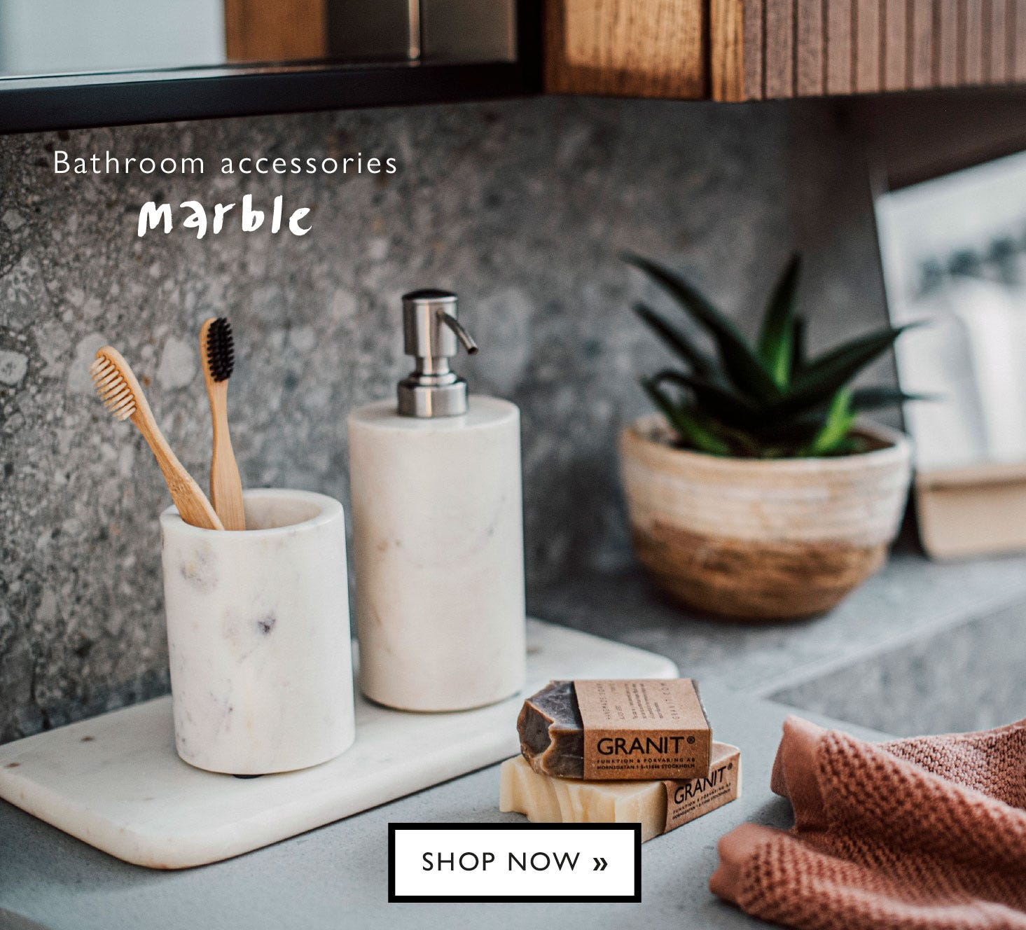 Soap dispenser and toothbrush cup, white marble